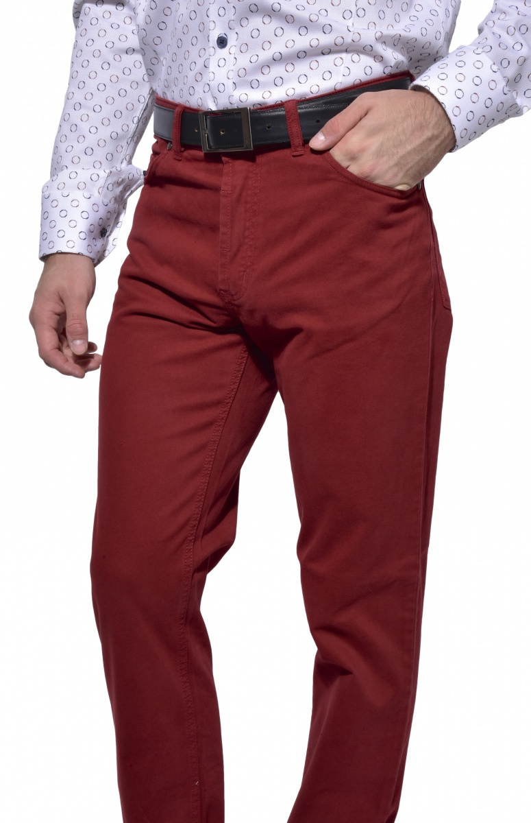 Burgundy five-pocket trousers