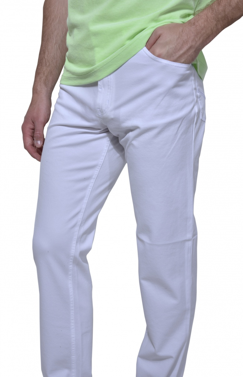 Biele voľnočasové nohavice
