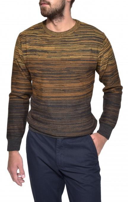 Hnedý pletený pulóver