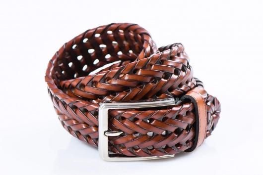 Pletený kožený opasok