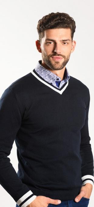 Tmavomodrý pulóver
