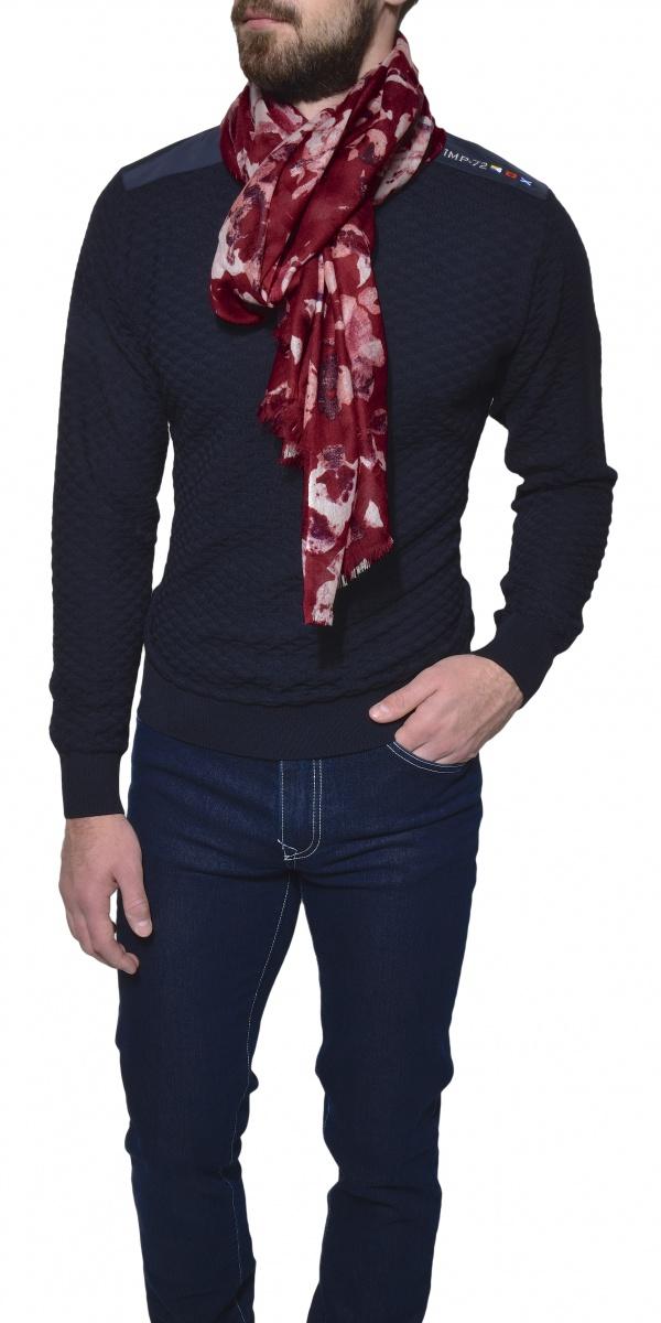 Tmavomodrý vlnený pulóver