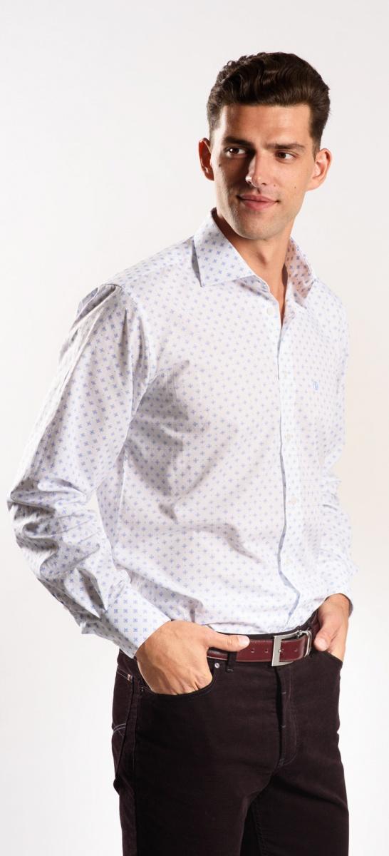 Biela Slim Fit košeľa s modrým vzorom
